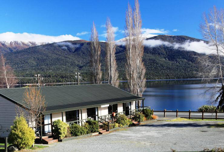 View towards mountains and lake from the Te Anau Lakeview Holiday Park